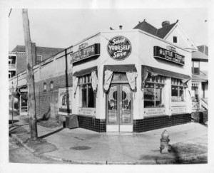 An Atlanta area Little Star Food Store in 1940 similar to the stores targeted by the gang. Georgia State University Library