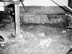 The Williams Murder Scene At 1117 Stewart (Now Metropolitan Parkway) The Trunk Can Be Seen In The Back Left Corner - Georgia State University Library Archives