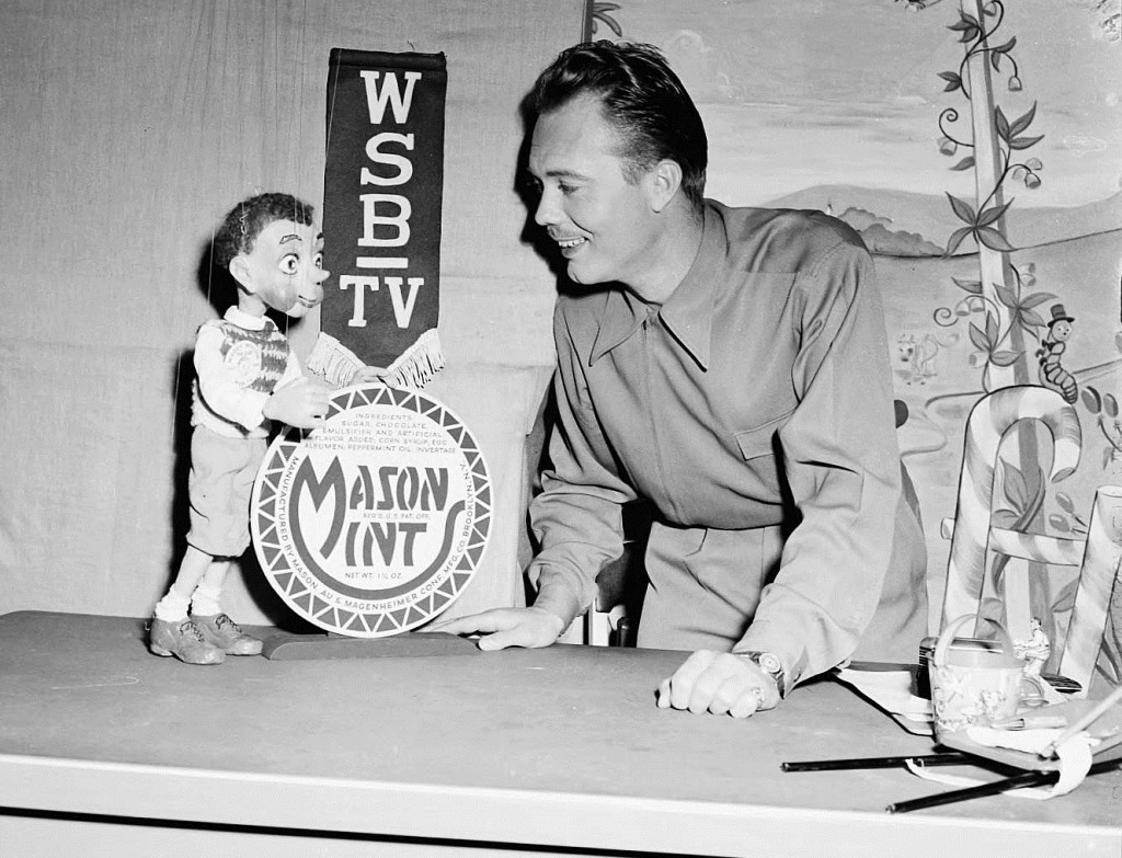 Woody Willow Advertising Mason Mints on March 8th, 1949 - Georgia State University Library