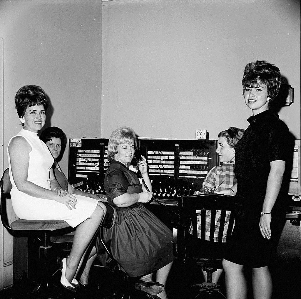 Smyrna Telephone Operators on August 14th, 1967 - Georgia State University Library