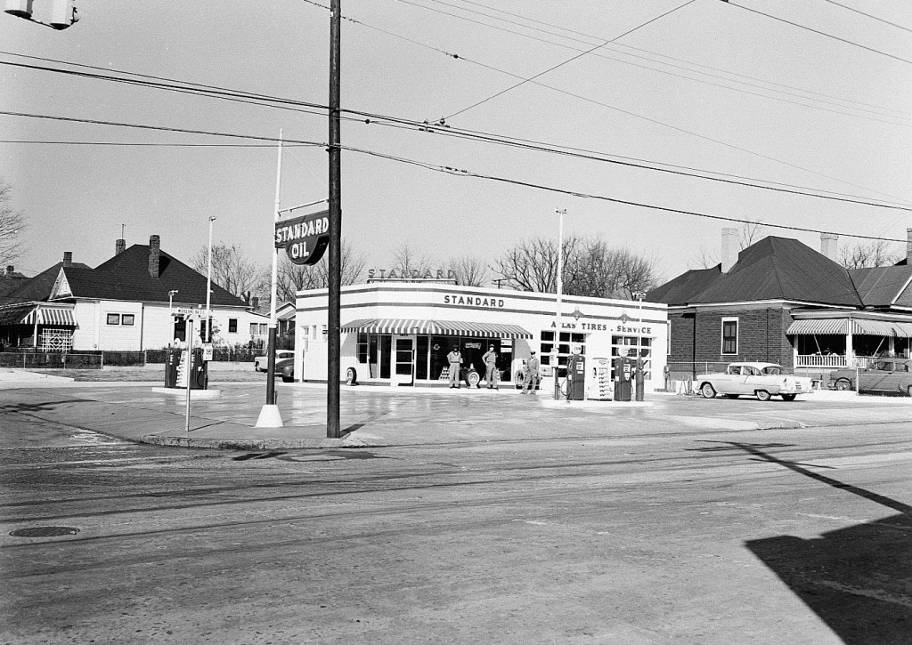 Standard Oil Station on Memorial Drive & Glenwood Avenue on February, 21st 1956 - Georgia State University Library