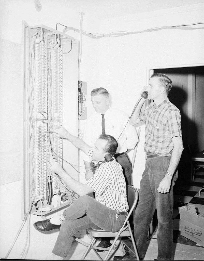 Technicians for Southern Bell Telephone & Telegraph on November 2nd 1964 - Georgia State University Library