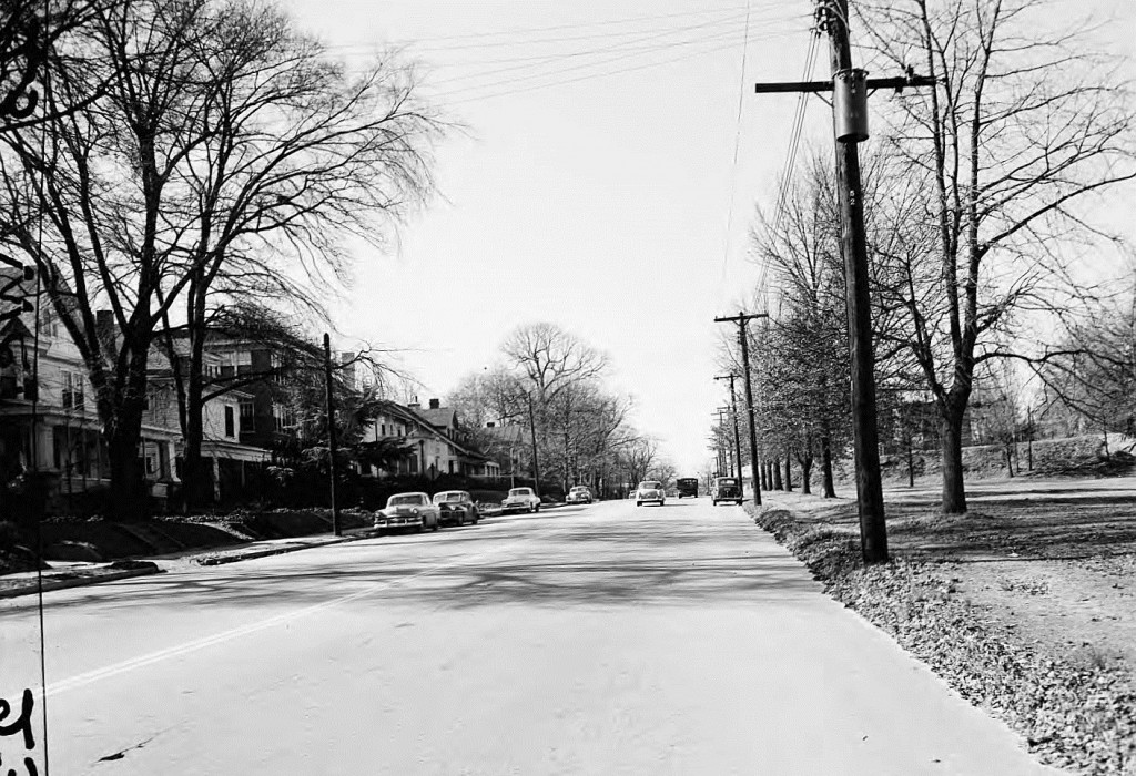 10th Street with Piedmont Park on the right on December 30th, 1954 - Georgia State Univeristy Library