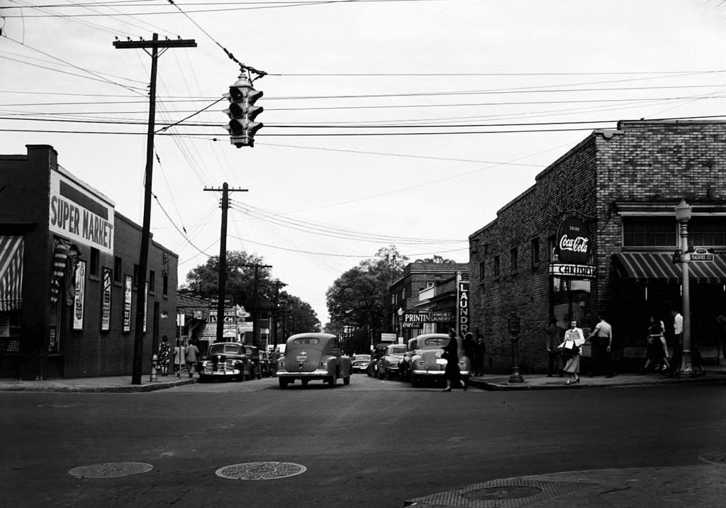 Intersection of Peachtree and 10th streets in the 1940's - Georgia State University Library