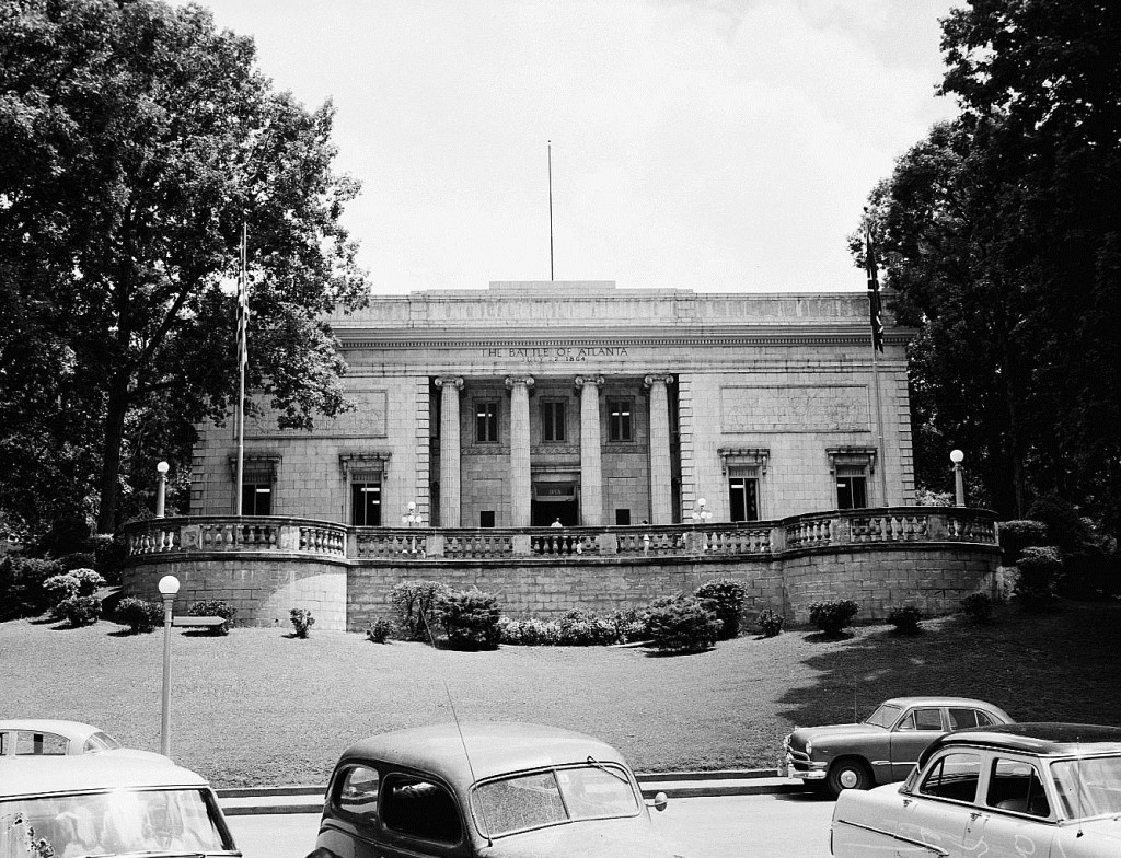 The Atlanta Cyclorama in 1944 - Georgia State University Library